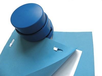 Klammerloses Heftgerät Tacker Heftapparat detektierbar blau